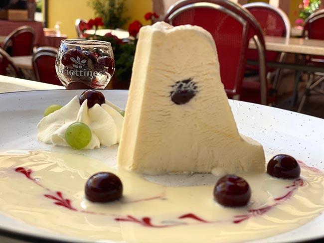 Le kouglof glacé au Kirsch-Vieux